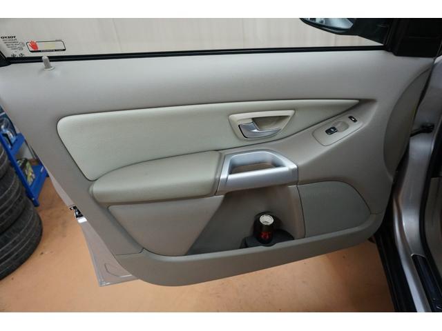 「ボルボ」「ボルボ XC90」「SUV・クロカン」「山梨県」の中古車44