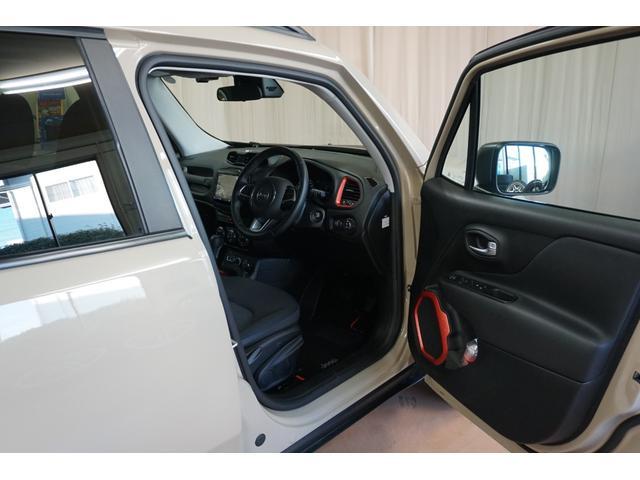 「その他」「クライスラージープ レネゲード」「SUV・クロカン」「山梨県」の中古車16
