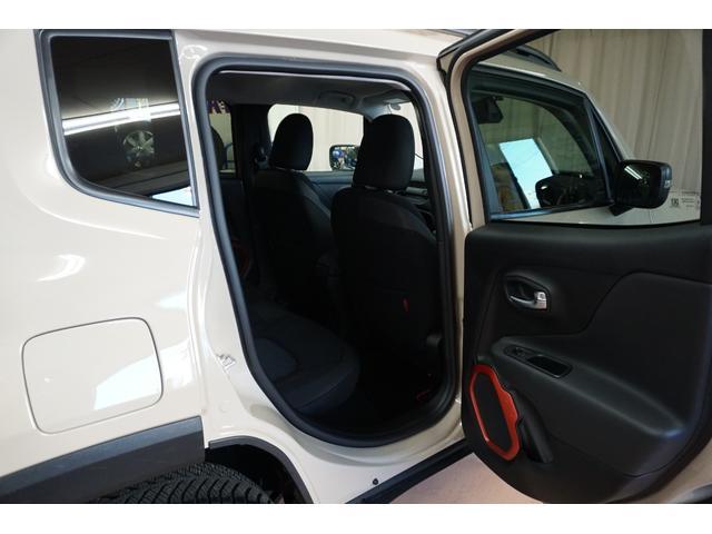 「その他」「クライスラージープ レネゲード」「SUV・クロカン」「山梨県」の中古車36
