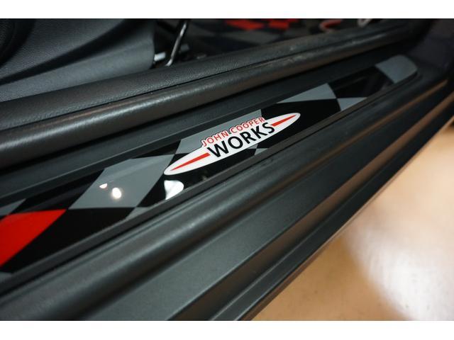 クーパーS クーパーS(4名) サンダーグレーメタリック 17AW 赤革シートカバー スマートキー アイドリングストップ 純正HDDナビ ETC(20枚目)