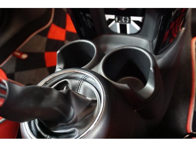 クーパーS クーパーS(4名) サンダーグレーメタリック 17AW 赤革シートカバー スマートキー アイドリングストップ 純正HDDナビ ETC(32枚目)