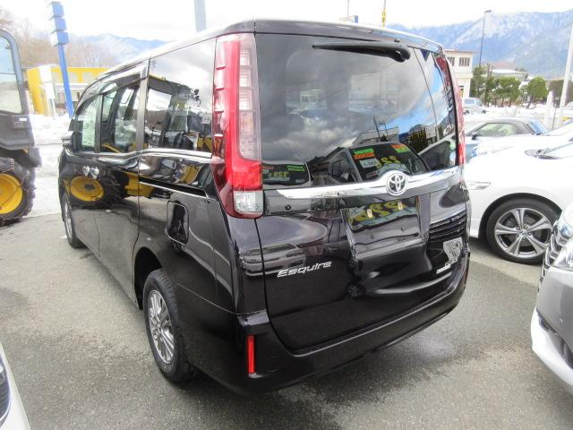 トヨタ エスクァイア Gi 8人 4WD