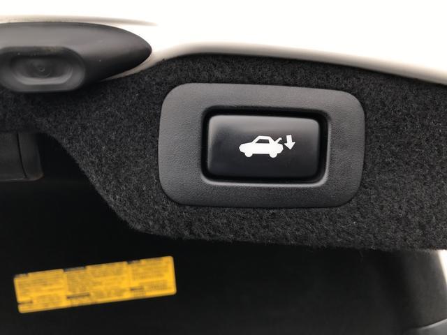 LS600h バージョンU Iパッケージ 4WD 社外テール(16枚目)