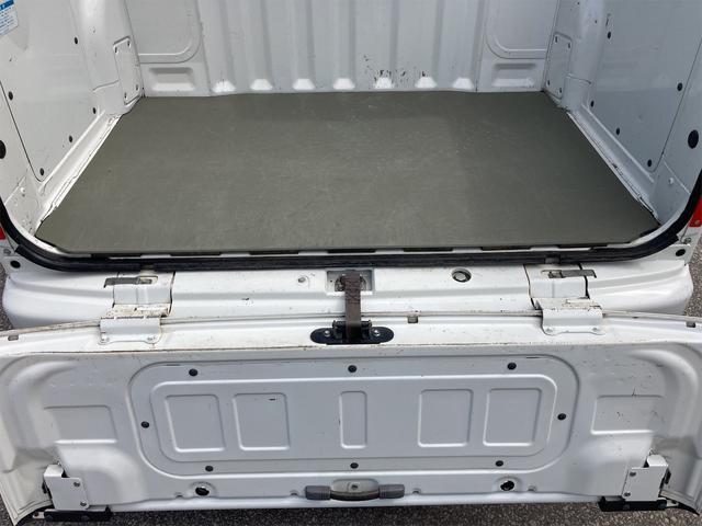 デッキバン 4WD 5速マニュアル 走行距離30540キロ エアコン パワーステアリング 両側スライドドア 保証付き 12インチアルミホイール(9枚目)