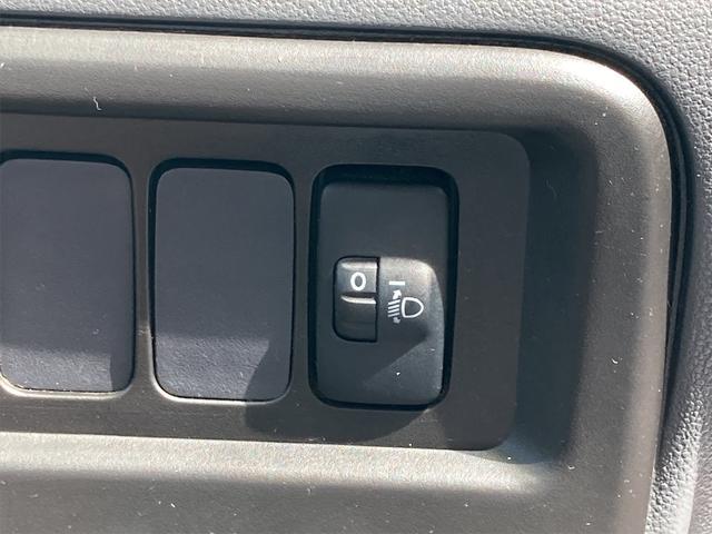 デッキバン 4WD 5速マニュアル 走行距離30540キロ エアコン パワーステアリング 両側スライドドア 保証付き 12インチアルミホイール(35枚目)
