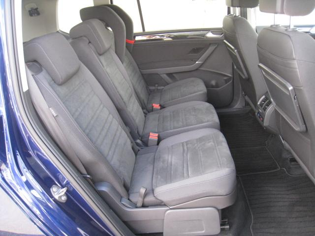 「フォルクスワーゲン」「VW ゴルフトゥーラン」「ミニバン・ワンボックス」「山梨県」の中古車11