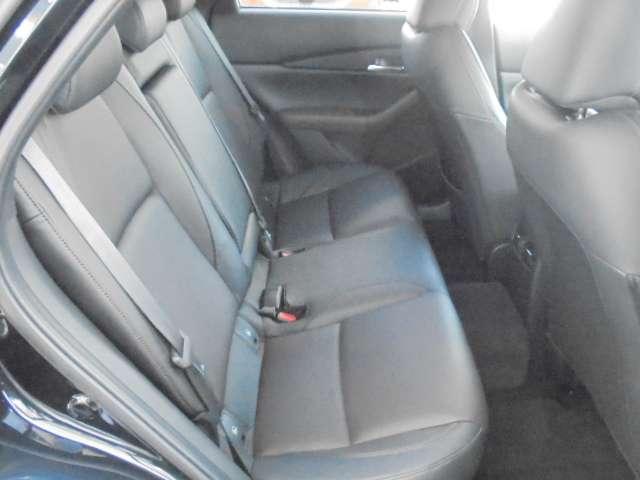 1.8 XD Lパッケージ ディーゼルターボ 4WD マットブラック純正OP18AW 全方位(5枚目)