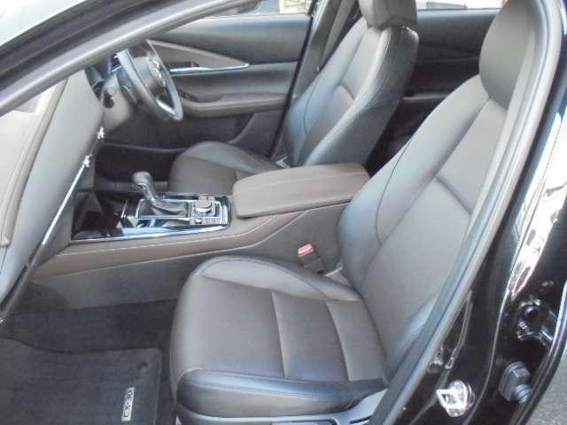 1.8 XD Lパッケージ ディーゼルターボ 4WD マットブラック純正OP18AW 全方位(6枚目)