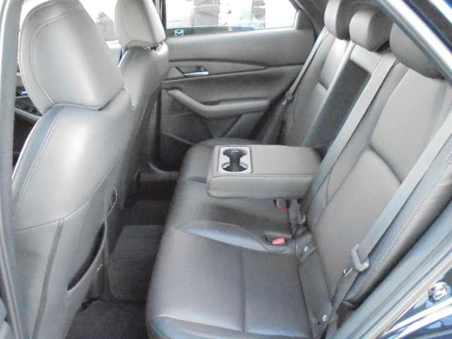 1.8 XD Lパッケージ ディーゼルターボ 4WD マットブラック純正OP18AW 全方位(7枚目)