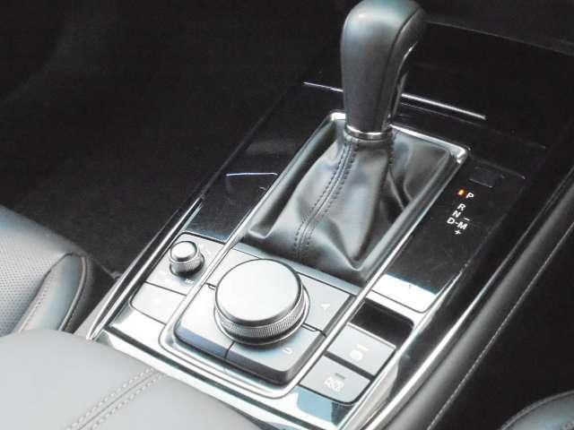 1.8 XD Lパッケージ ディーゼルターボ 4WD マットブラック純正OP18AW 全方位(18枚目)