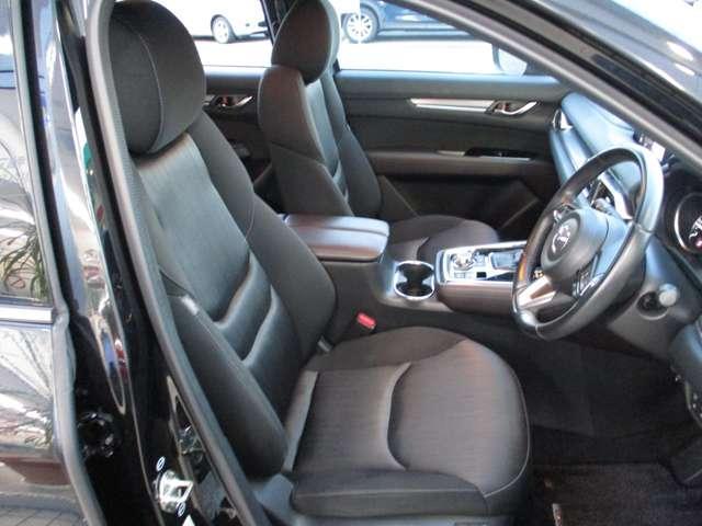 2.2 XD プロアクティブ ディーゼルターボ 4WD 黒布シート ベンチシート(3枚目)