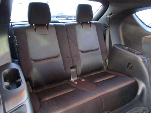 2.2 XD プロアクティブ ディーゼルターボ 4WD 黒布シート ベンチシート(6枚目)
