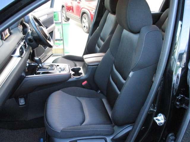 2.2 XD プロアクティブ ディーゼルターボ 4WD 黒布シート ベンチシート(7枚目)