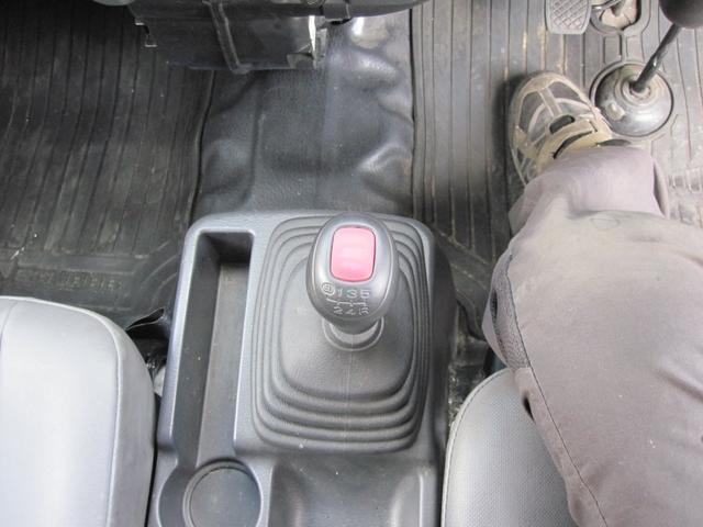 パネルバン 4WD 5速マニュアル エアコン パワステ付き(11枚目)