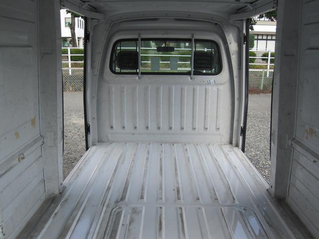 パネルバン 4WD 5速マニュアル エアコン パワステ付き(16枚目)