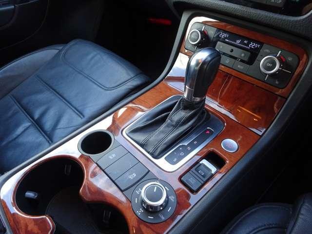 V6 ブルーモーションテクノロジー 4WD  禁煙車(11枚目)
