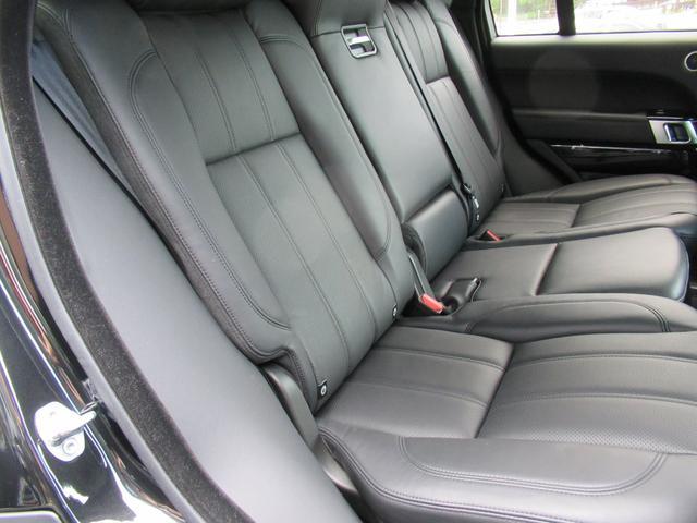 5.0 V8 スーパーチャージド ヴォーグ パノラマルーフ レーンチェンジアシスタント ブラックレザー シートヒーター シートクーラー 純正22インチアルミホイール ソフトクローズドドア オートマチックパワーゲート 禁煙車(9枚目)