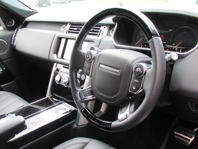 5.0 V8 スーパーチャージド ヴォーグ パノラマルーフ レーンチェンジアシスタント ブラックレザー シートヒーター シートクーラー 純正22インチアルミホイール ソフトクローズドドア オートマチックパワーゲート 禁煙車(12枚目)