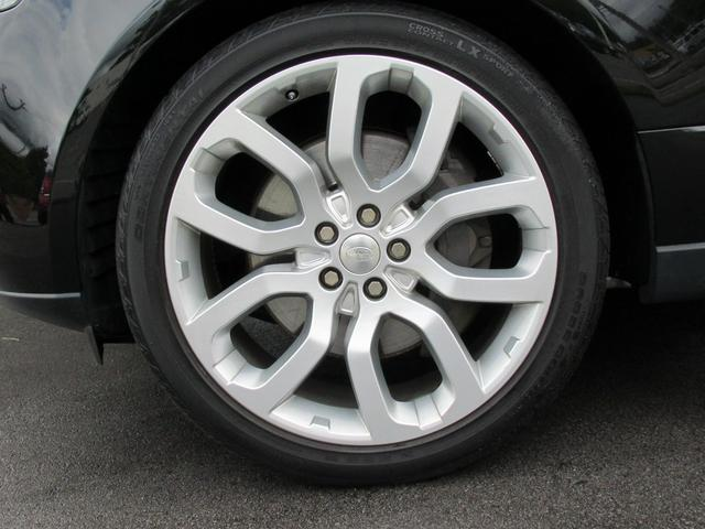 5.0 V8 スーパーチャージド ヴォーグ パノラマルーフ レーンチェンジアシスタント ブラックレザー シートヒーター シートクーラー 純正22インチアルミホイール ソフトクローズドドア オートマチックパワーゲート 禁煙車(19枚目)