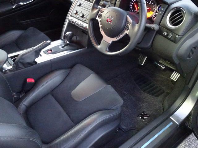 ベースグレード V6ツインターボ 4WD 純正HDDナビ(12枚目)