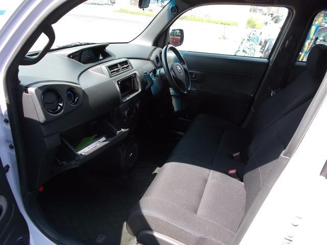 トヨタ bB Z Qバージョン 2WD コラムAT DVDナビ ETC