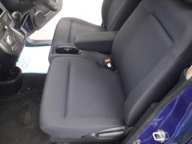 スポーツG 4WD タイベル交換 オートエアコン CDデッキ(17枚目)