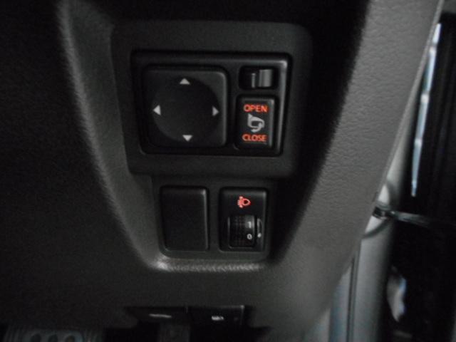 日産 キューブ 15X Mセレクション SDナビ 15インチアルミ