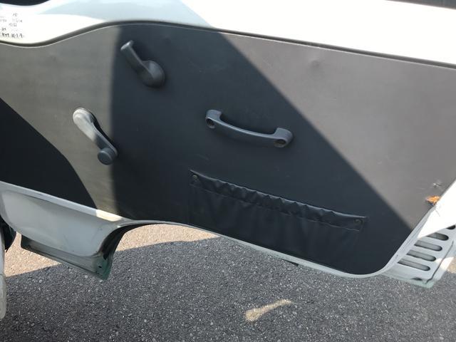 4WD 5速マニュアル 三方開 CD AUX 車検整備付き(15枚目)