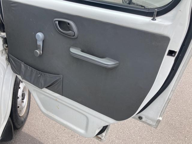 4WD 5速マニュアル パワーステアリング 三方開 ドアバイザー ラジオ 修復歴無し 保証付き 走行距離82004キロ 車検整備付き(14枚目)