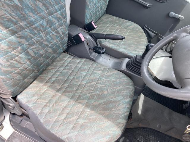 4WD 5速マニュアル パワーステアリング 三方開 ドアバイザー ラジオ 修復歴無し 保証付き 走行距離82004キロ 車検整備付き(27枚目)