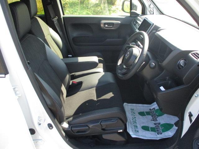 L・ターボホンダセンシング 4WD ワンオーナー 禁煙車 クルーズコントロール レーンアシスト クリアランスソナー バックカメラ ETC オートライト LEDヘッドライト オートマチックハイビーム(9枚目)