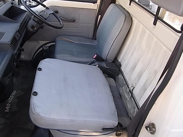 三菱 ミニキャブトラック スーパーDX 三方開 バイザー ゴムマット