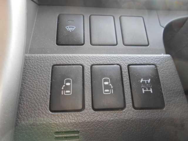X Lエディション 8人4WD 両側電動スライドドア(13枚目)