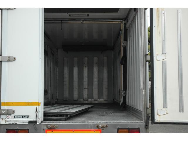 いすゞ いすゞ 冷蔵冷凍車 フォワード中型 3トン AT