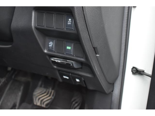 4WD エマージェンシーブレーキPKG 7人乗 禁煙車(17枚目)