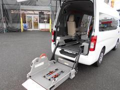 NV350キャラバンバンチェアキャブ 車椅子2名 M仕様 10名乗り