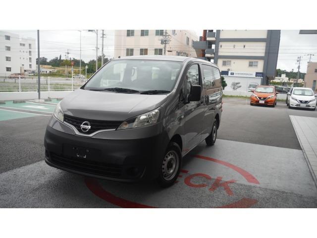 沖縄の中古車 日産 NV200バネットバン 車両価格 78万円 リ済別 2013(平成25)年 8.4万km シルバー
