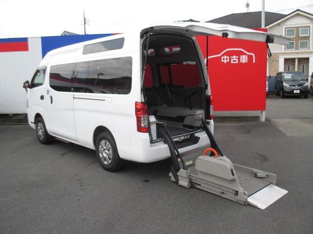 日産 NV350キャラバンバン 2.5 チェアキャブ M仕様 ディーゼルターボ 4WD