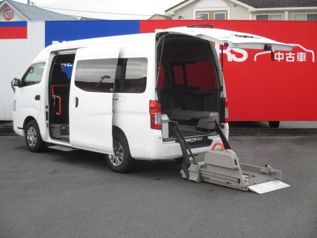 日産 NV350キャラバンバン  2.5 チェアキャブ C仕様 大人9人+車椅子1基 ディーゼルターボ 4WD バックカメラ キーレスリモコン オートステップ リアヒーター リアクーラー