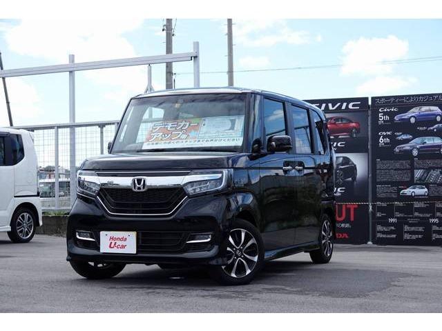 沖縄の中古車 ホンダ N BOXカスタム 車両価格 179.8万円 リ済別 平成29年 0.7万km ブラックパール