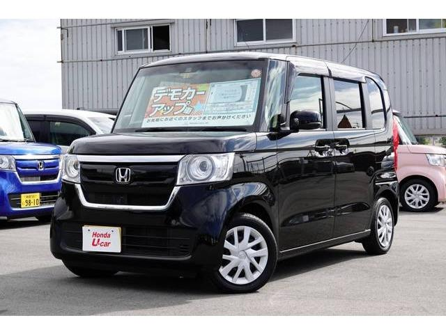 沖縄の中古車 ホンダ N-BOX 車両価格 164.8万円 リ済別 2017(平成29)年 0.6万km ブラックパール