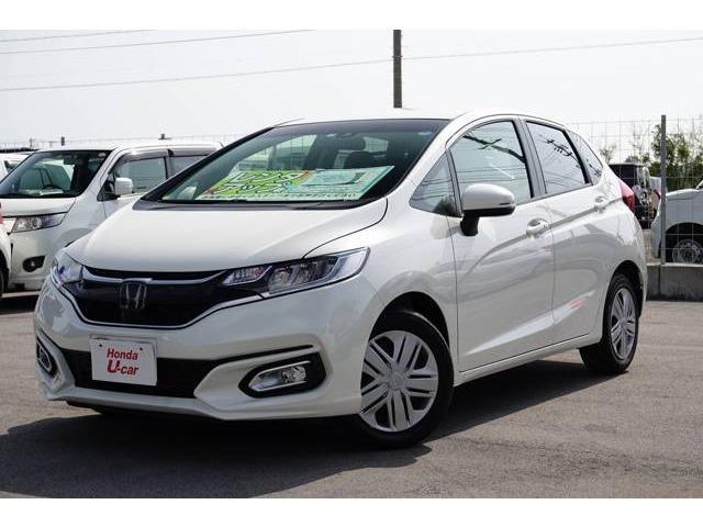 沖縄の中古車 ホンダ フィット 車両価格 139.8万円 リ済別 2018(平成30)年 0.8万km ホワイトパール