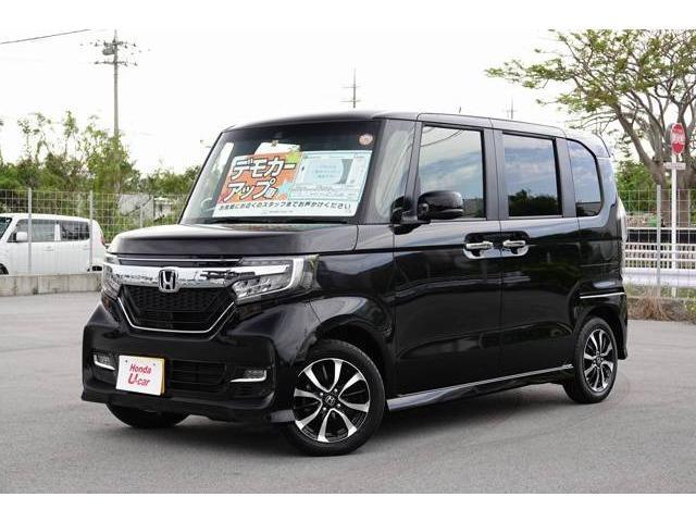 沖縄の中古車 ホンダ N-BOXカスタム 車両価格 164.8万円 リ済別 2017(平成29)年 0.8万km ブラックパール