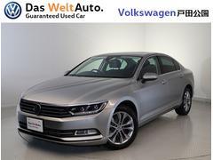 VW パサートTSI HighlineレザーLEDライト純正ナビ