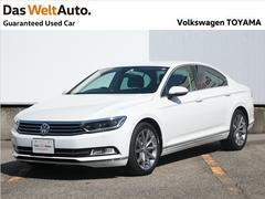 VW パサートTSI Highline Demo Car レザーシート