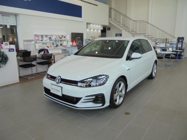 沖縄の中古車 フォルクスワーゲン VW ゴルフGTI 車両価格 288万円 リ済別 2017(平成29)年 1.4万km ピュアホワイト