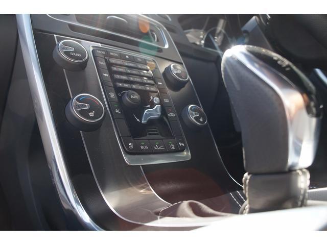 ボルボ ボルボ V60 T4 R-DESIGN