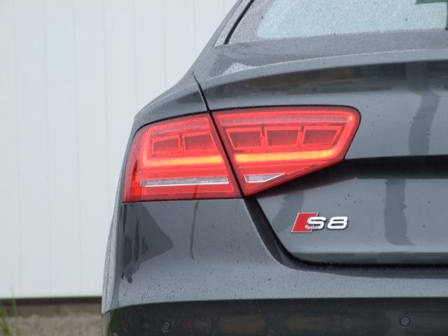 アウディ アウディ S8 ベースグレード サンルーフ