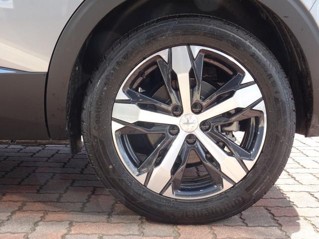タイヤに使用感はなく、ホイールに目立ったキズはありません。【プジョー大府:0562-44-0381】