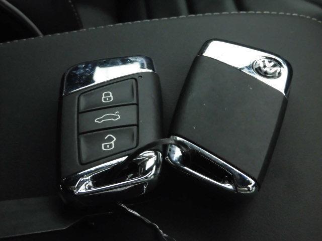 Rライン 4モーションアドバンス 認定中古車 ETC ナビ バックカメラ 革シート シートヒーター 電動シート 4WD LED(16枚目)